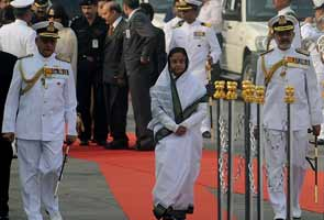 President Pratibha Patil's foreign trips cost record Rs 205 cr