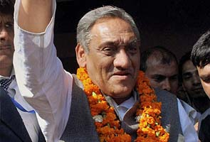 Vijay Bahuguna sworn in as new Uttarakhand Chief Minister after Harish Rawat rebels