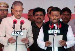 Akhilesh Yadav sworn in as Uttar Pradesh Chief Minister; SP workers on bad behaviour