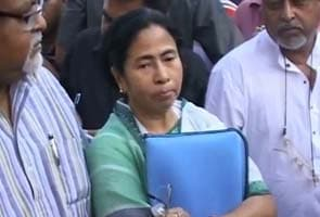 Mamata's ban on most papers at government libraries attacked