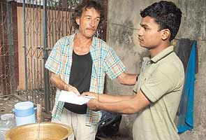 Marathon winner donates prize money to tea stall worker