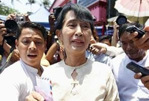 Suu Kyi sworn in as Myanmar's Member of Parliament