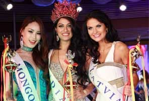 Indore girl wins Miss Asia Pacific 2012