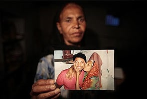 Mother, son separated, begin 25-year global search