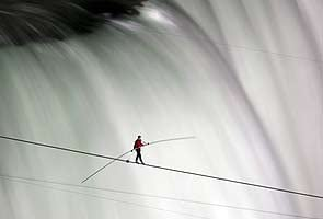 Nik Wallenda, first man to complete 1800-feet tightrope walk across Niagara Falls