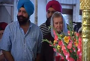 Sikh temple shooting: US Ambassador Nancy Powell offers prayers at Delhi Gurudwara