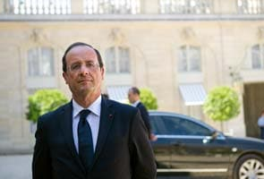 Honeymoon over, outlook worse for France's President Normal