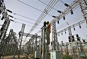 Power grid failure: Blame game begins; Veerappa Moily takes charge of ministry