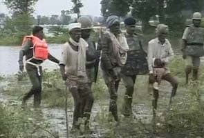 Harda jal satyagraha: Protesters defy police, enter water again