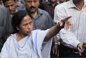 I can always hiss if can't bite: Mamata Banerjee