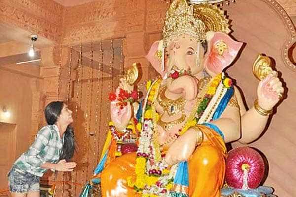Ganpati devotees banned from wearing short skirts: Poonam Pandey's the reason