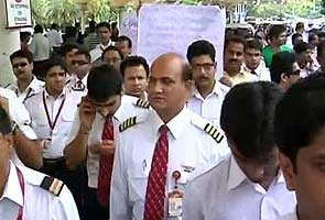 'Is your party over Mr Mallya?' protesting Kingfisher Airlines employees ask