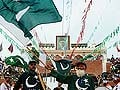 Flag-waving 'Uncle Pakistan' dies