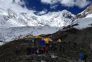 Two Uzbek climbers missing after Nepal avalanche