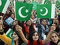 70,000 Pakistanis sing national anthem to create new record
