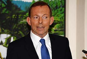 Australian opposition leader apologises to Prime Minister Gillard