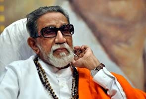 Bal Thackeray critical, 'please pray,' urges son Uddhav