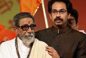 PM condoles Bal Thackeray's death, calls up Uddhav