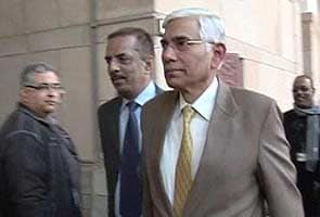 Accord constitutional status to CBI, vigilance commission: Vinod Rai
