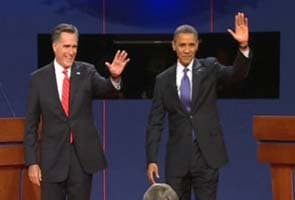 Mitt Romney, Barack Obama fight spiritedly into final weekend