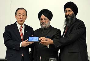 Undeterred by 'Made in China' allegations, India showcases Aakash 2 tablet at UN