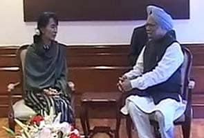 Aung San Suu Kyi meets Prime Minister Manmohan Singh