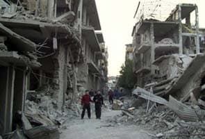Syria: Airport road reopens but Internet still cut