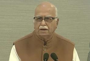 Puducherry activist's arrest an 'Emergency' mindset: LK Advani