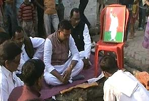 Samajwadi Party stops construction of temple for Mulayam Singh Yadav