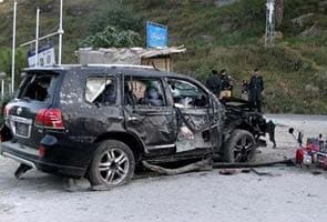 Suicide blast in Pakistan kills six people