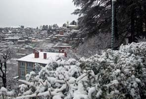 Hills near Shimla, Manali get season's first snow