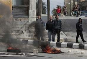 38 killed in blasts near Damascus