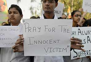 Delhi gang-rape survivor 'Amanat' put on ventilator again; conscious but serious, say doctors