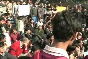 Large crowds gather in silent, peaceful protests at Jantar Mantar