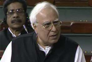 FDI in retail in favour of farmers, says Kapil Sibal