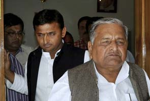 Supreme Court orders CBI investigation against Mulayam, Akhilesh for alleged corruption