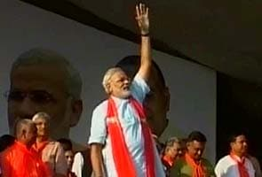 PM playing votebank politics with minorities: Narendra Modi