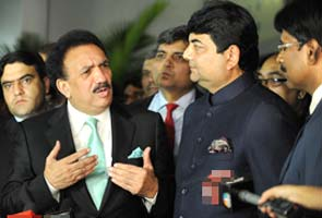 Pakistan Minister Rehman Malik alludes to Babri Masjid demolition, kicks up storm
