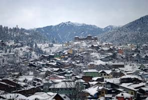 Medium avalanche warning in Kashmir Valley