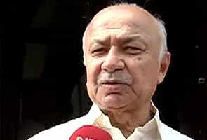 Invite Sonia Gandhi for all-party meet on Telangana: BJP tells Sushil kumar Shinde