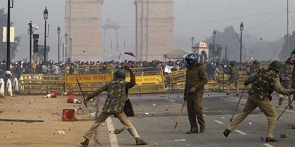 Delhi-gang-rape protests: Chief Minister wants action against top cop, say sources