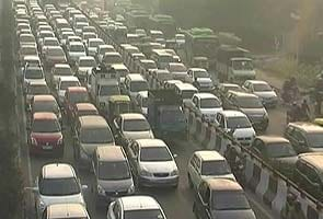 Traffic chaos continues on major Delhi roads