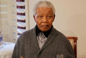 Nelson Mandela comfortable in hospital, government says