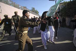 Delhi gang-rape impact: 1000 students block highway