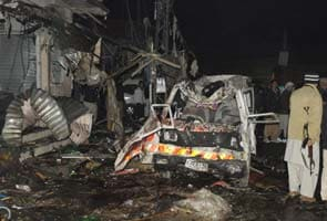 Bombings kill 103 people in Pakistan