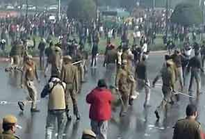 Water cannons, tear gas at India Gate protests was wrong:  Lieutenant Governor