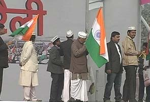 Anna Hazare to hold first rally after his team split