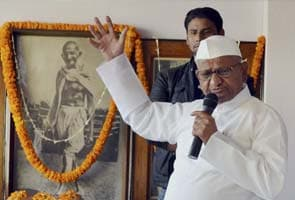 Anna Hazare rejects new draft of Lokpal bill, calls it a 'farce'