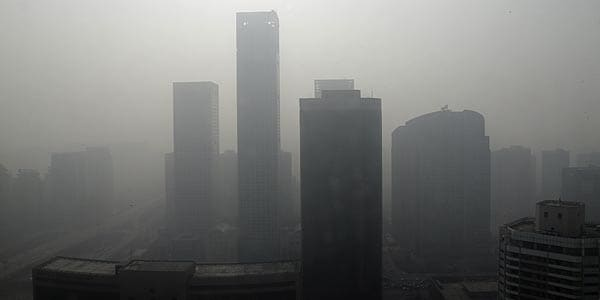 China plans emergency measures to control Beijing air pollution