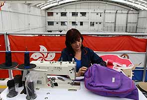After US school shootings, Colombian firm makes armored clothes for kids